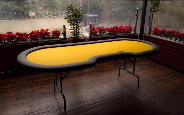 mesa de poker pe retratil profissional